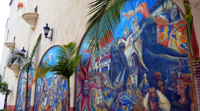"03052012 Wall Murals For Your Home + ""CrazyWall"""
