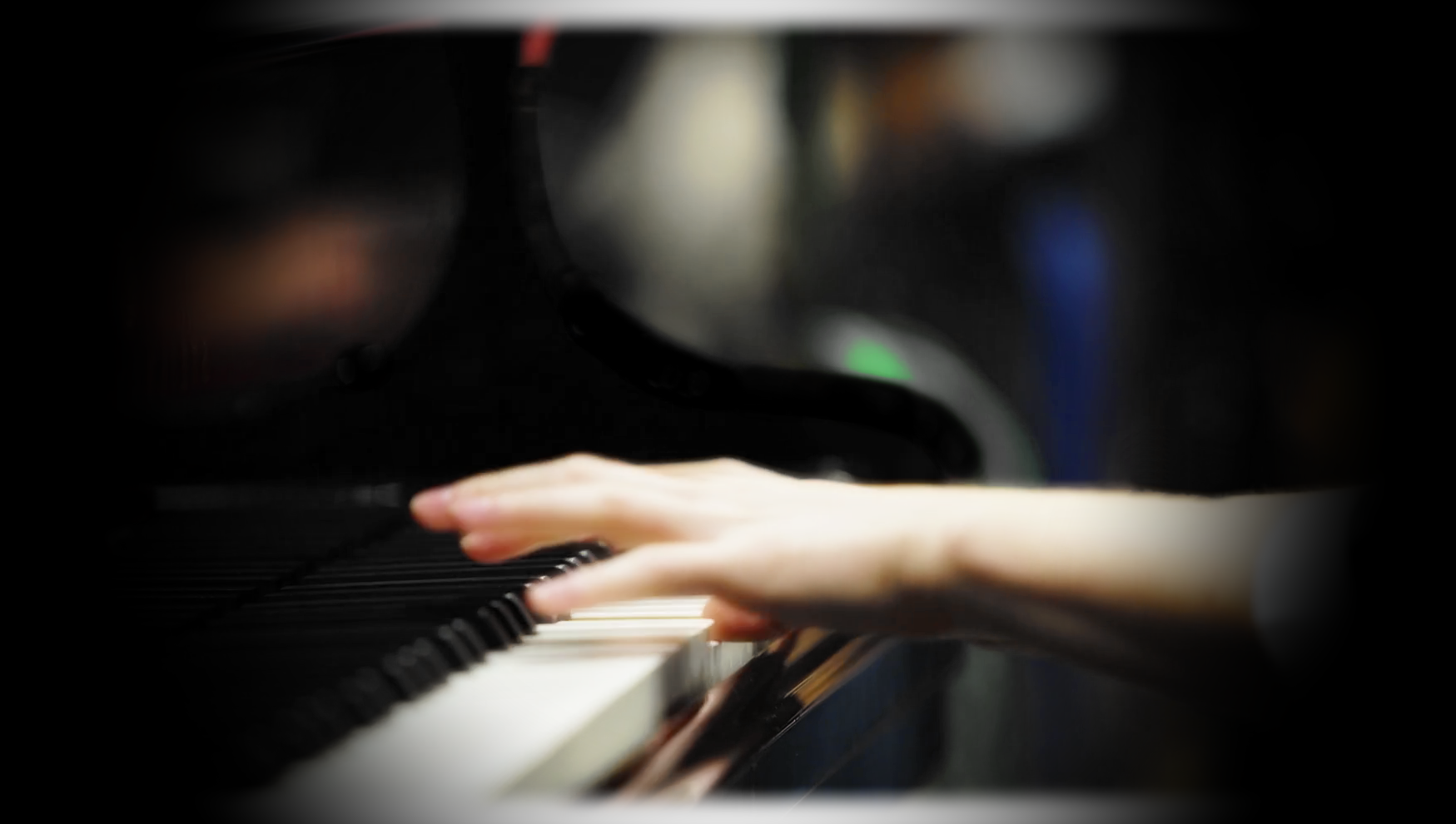 pianohands.png