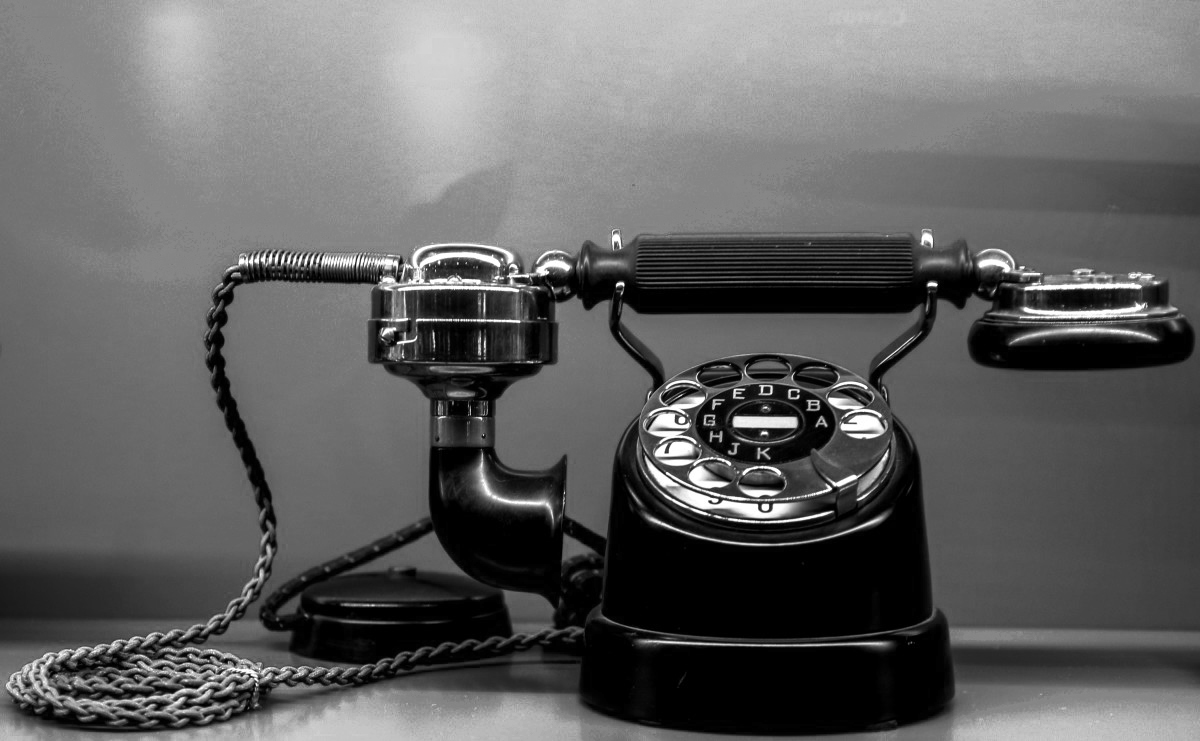 phone_communication_call_select_museum_antique_nostalgic_talk-884224.jpg!d
